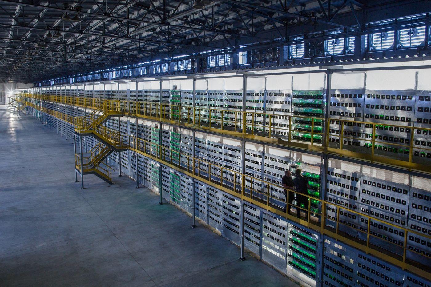 Крупнейшая в России майнинговая ферма. Фото: Bloomberg